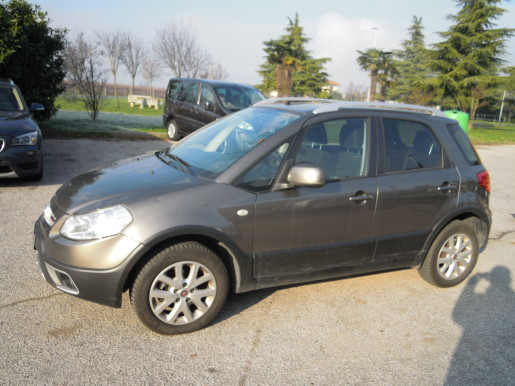 FIAT SEDICI 2.0 MJT 4X4 EMOTION E4 €5500
